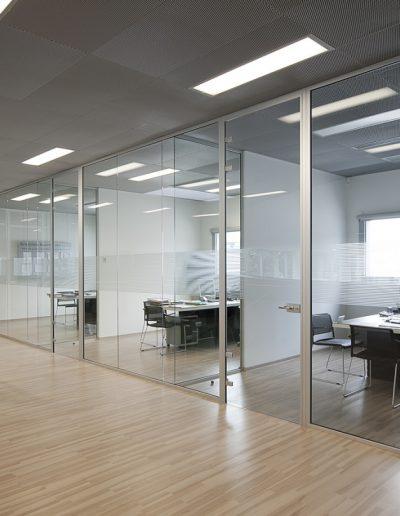 cloison-en-verre-bureaux-saintes-maxime