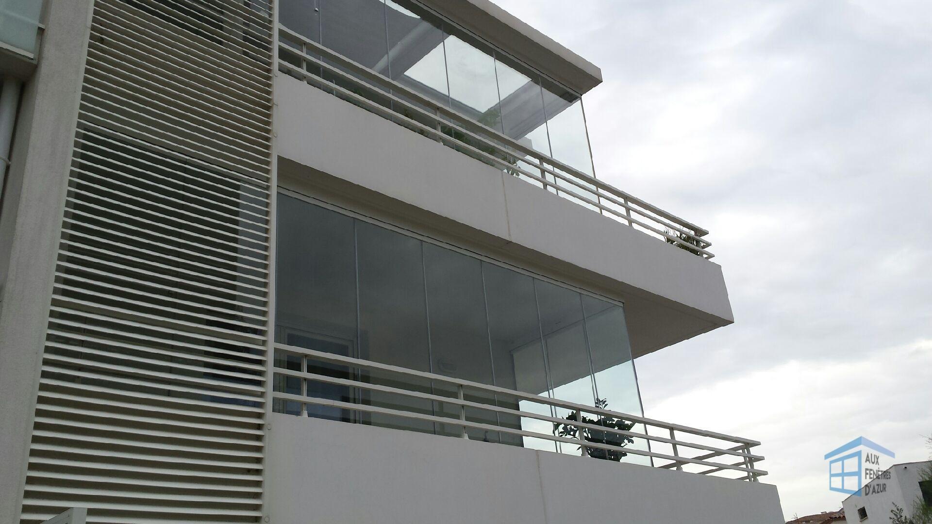pouvez vous fermer votre balcon avec un rideau de verre auxfenetresdazur rideau de verre. Black Bedroom Furniture Sets. Home Design Ideas