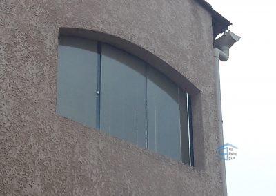 Fermer une ouverture avec le rideau de verre