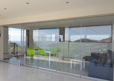 Rideau de verre dans maison haut de gamme