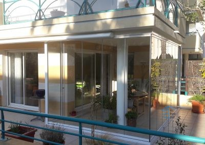 Agrandir un appartement avec un rideau de verre