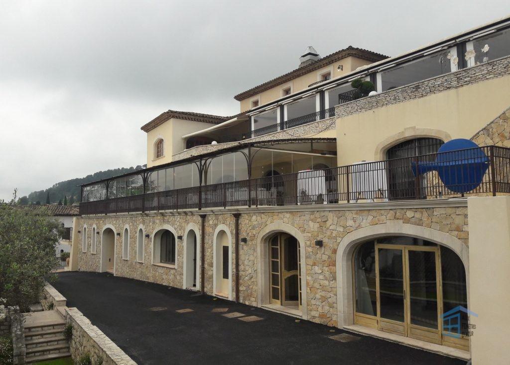 Rideau de verre sur terrasse à La Colle-sur-Loup