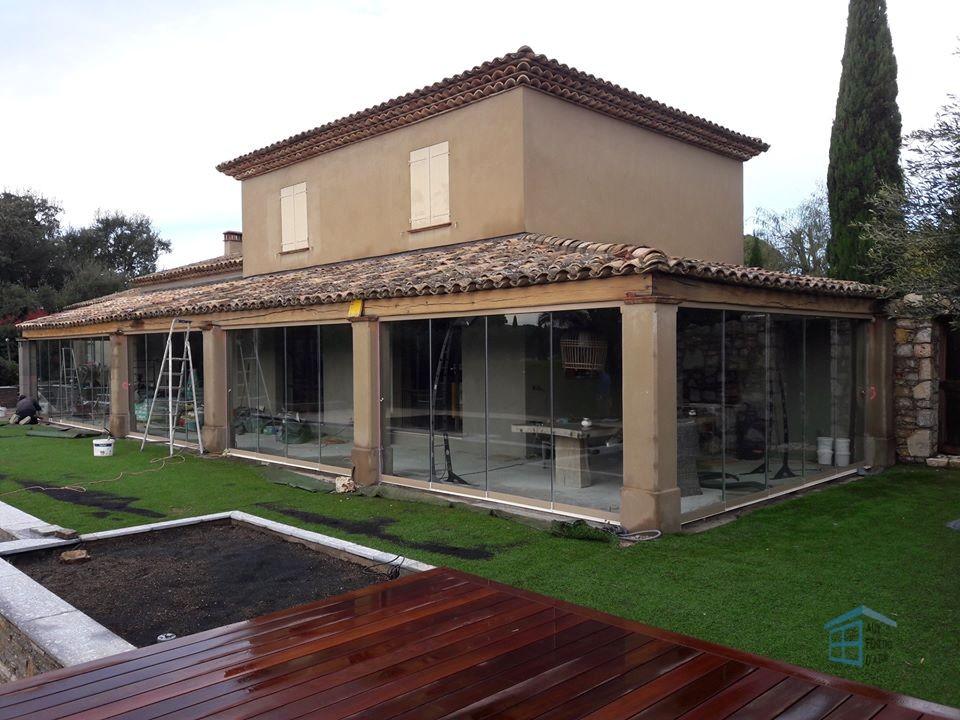 Fermeture de terrasse en verre à Ramatuelle