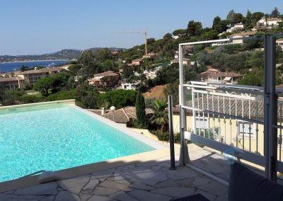 Paravent rétractable en verre - Cannes