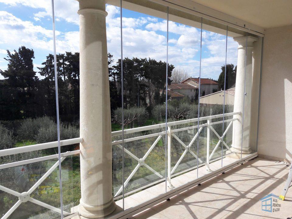Rideau de verre sur balcon à Mandelieu-la-Napoule