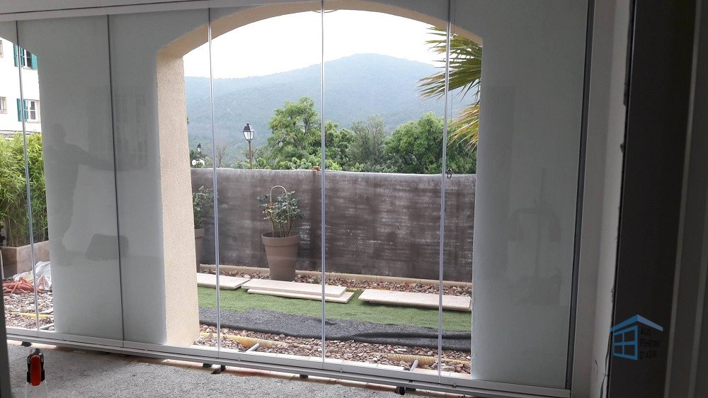 Mur de verre à Roquebrune - Photo 2